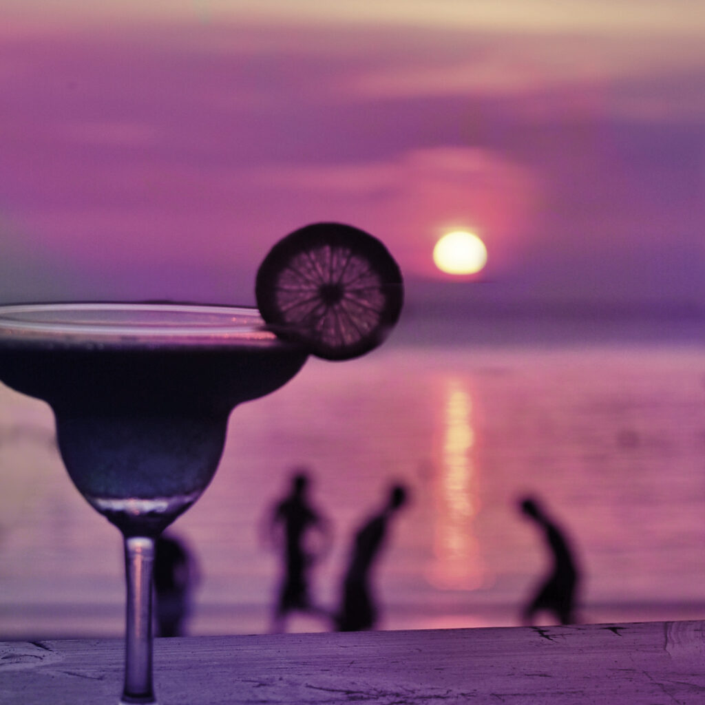 sfeerbeeld-infinity-beach-drink